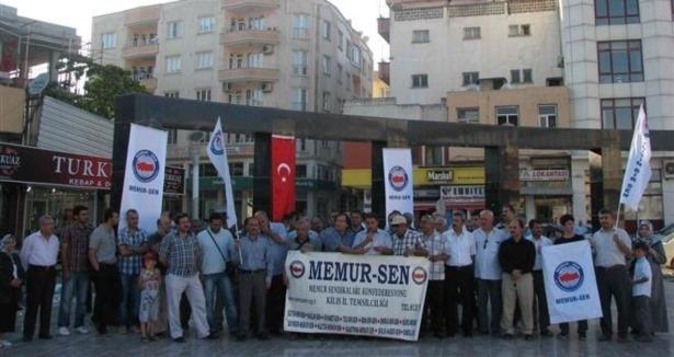 cin-konsoloslugu-onunde-turkistan-protestosu